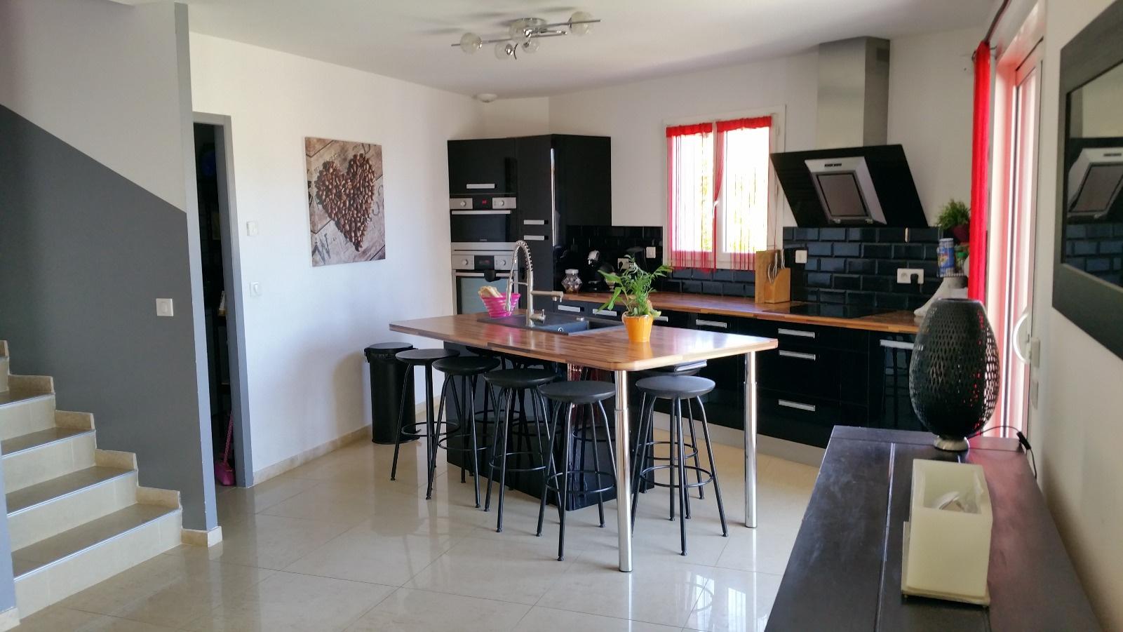 Vente la ciotat fontsainte villa contemporaine vue mer for Maison moderne 7x7